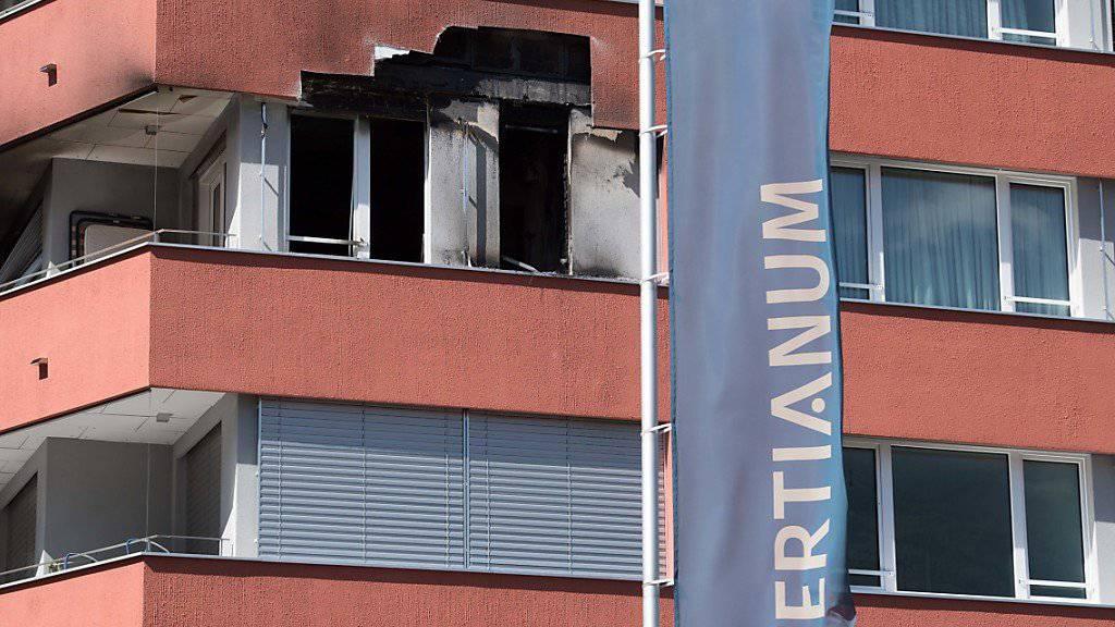 In einer Wohnung des Alters-Wohnzentrums Tertianum in Bellinzona hat es gebrannt. Eine Frau wurde lebensgefährlich verletzt.