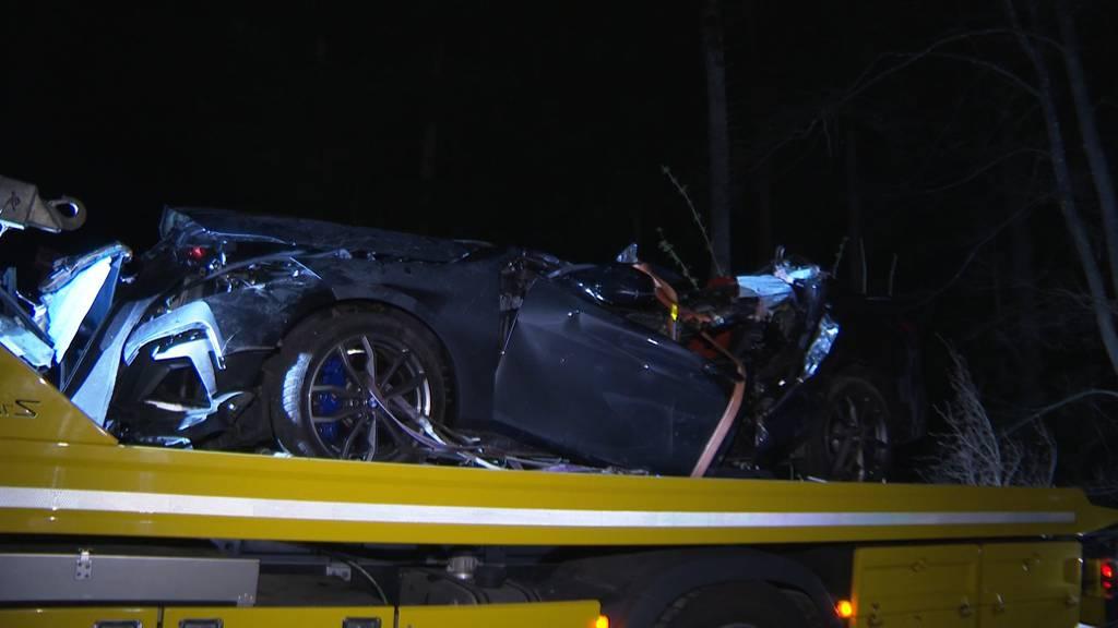 In Baum geprallt: Zwei Tote nach schwerem Unfall in Dornach (SO)