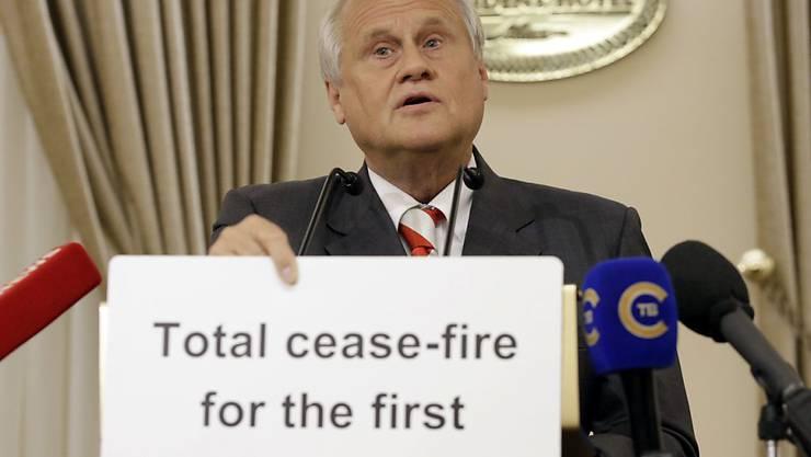 """""""Komplette Feuerpause in der ersten Schulwoche"""": Der OSZE-Vertreter Sajdik formuliert und illustriert das Ziel der jüngsten Ukraine-Gespräch in Minsk."""