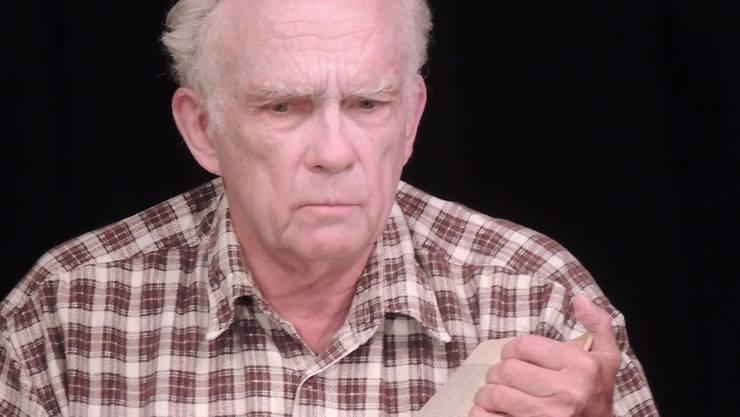 Darsteller Rudolf Fischer brilliert in drei Rollen.