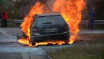 Das Auto stand in Vollbrand.