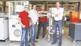 Optimistischer Blick in die Zukunft (v. l.): Andreas Villiger (Geschäftsführer), Roger Eggenberger (Chef Units AG), Roger Jutzeler (stellvertretender Geschäftsführer) und Olaf van der Lely (Verwaltungsratspräsident). Foto: Hanspeter Bärtschi