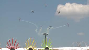 Am Jugendfest Villmergen tritt die PC7-Staffel der Schweizer Luftwaffe auf. Zeitgleich ziert an den Flugtagen in Schupfart die Patrouille Suisse den Himmel.
