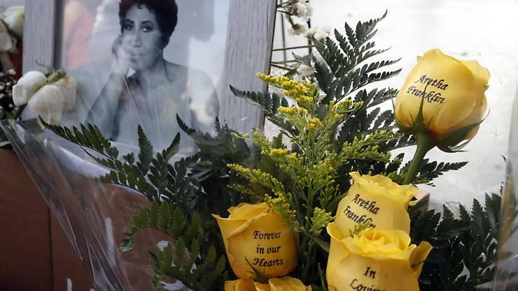 Die US-Sängerin Aretha Franklin soll Ende August in Detroit beigesetzt werden.