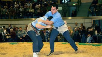 Thomas Kammermann (rechts) erkämpfte beim letztjährigen Niklausschwinget gegen Raphael Arnold die Auszeichnung.