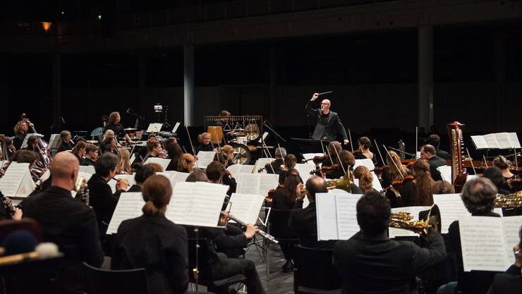 Gewillt, neue Musik zu spielen und neue Wege in der Vermarktung zu gehen: Die Basel Sinfonietta unter der Leitung ihres Chefdirigenten Baldur Brönnimann.