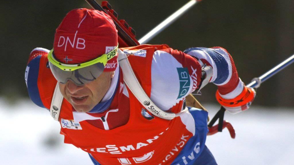 Der Norweger Ole Einar Björndalen (42) setzt seine erfolgreiche Biathlon-Karriere fort