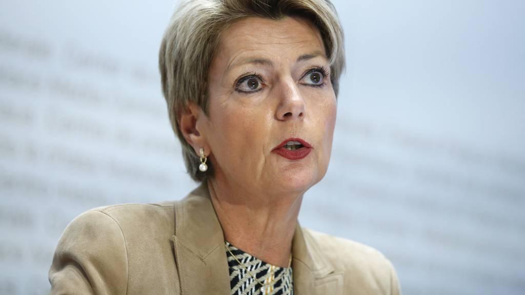 Parmelin und Keller-Sutter weisen Diktatur-Vorwurf zurück