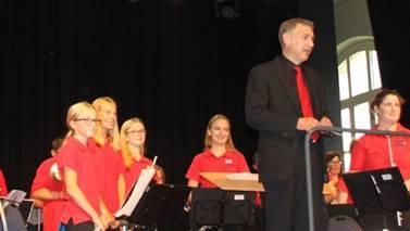 Die Jugendmusig Aaregäu beim Auftritt in der Kulturhalle