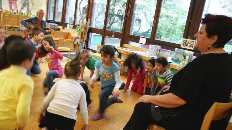 An vorderster Front setzt sich die Badener Grossrätin Kathrin Fricker (Grüne) dafür ein, dass Kindergartenlehrer mehr Lohn erhalten.