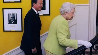 Seltener Gast in der Downing Street Nr. 10: Königin Elizabeth II. und Premier David Cameron