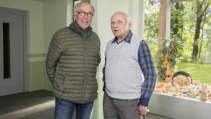 Quartierverein-Präsident Ernst Gebhard (li) und Armin Eggimann im Haus Nummer 2.
