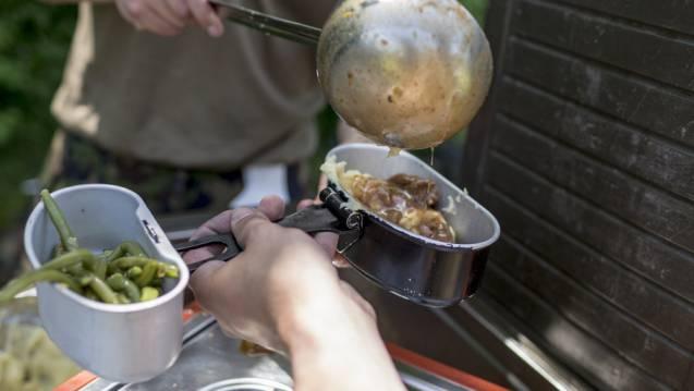 Veganer sind per se untauglich, da eine Zubereitung von rein veganen Gerichten nicht realisierbar wäre.