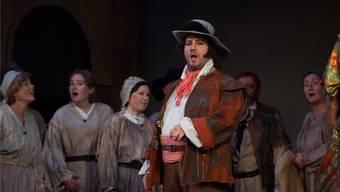 Raimund Wiedekehr begeistert hier als Räuber in der Operette «Banditenstreiche». Auch an der Neujjahr-Matinee wusste er zu erfreuen.