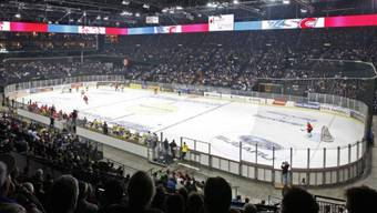 Eishockeyspiel im Zürcher Hallenstadion