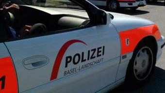 Laut Angaben der Kantonspolizei Basel Landschaft erlitt die Lenkerin leichte Verletzungen.