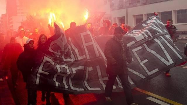 Xamax-Fans halten Ex-Präsidenten Gilbert Facchinetti die Treue