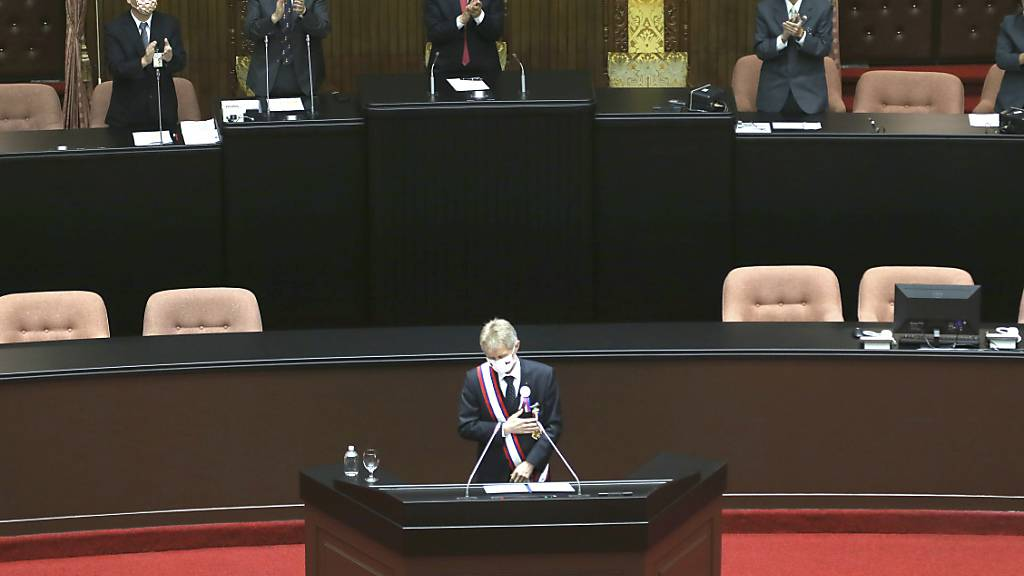 Milos Vystrcil, Senatspräsident von Tschechien, spricht vor dem Parlament. Bei seinem Besuch hat sich Vystrcil in einer Rede vor dem Parlament für Freiheit und Demokratie eingesetzt. Foto: Chiang Ying-Ying/AP/dpa
