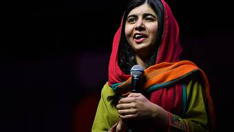 ARCHIV - Die Friedensnobelpreisträgerin Malala Yousafzai spricht auf einer Veranstaltung im Sydney Convention and Exhibition Centre. Malala hat ihren Studienabschluss aus Oxford in der Tasche. Foto: Brendan Esposito/AAP/dpa