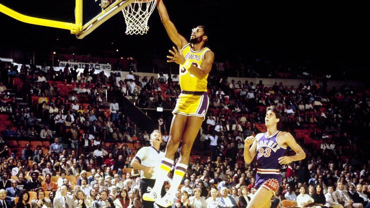 Kareem Abdul-Jabbar ist einer der populärsten Sportler der USA. Hier spielt er im Dress der LA Lakers.