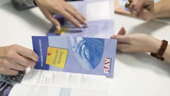 Die regionalen Arbeitsvermittlungszentren (RAV) verzeichneten Ende November rund 4000 Arbeitslose mehr als im Vormonat. (Symbolbild)