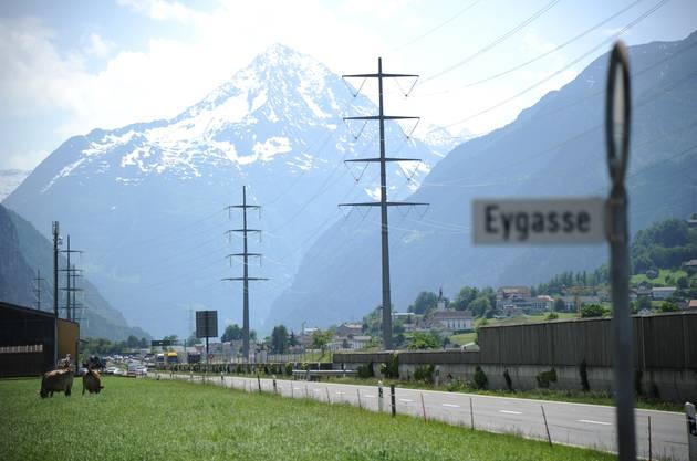 ... nach Brig im Wallis passiert man zunächst den Urner Talboden.