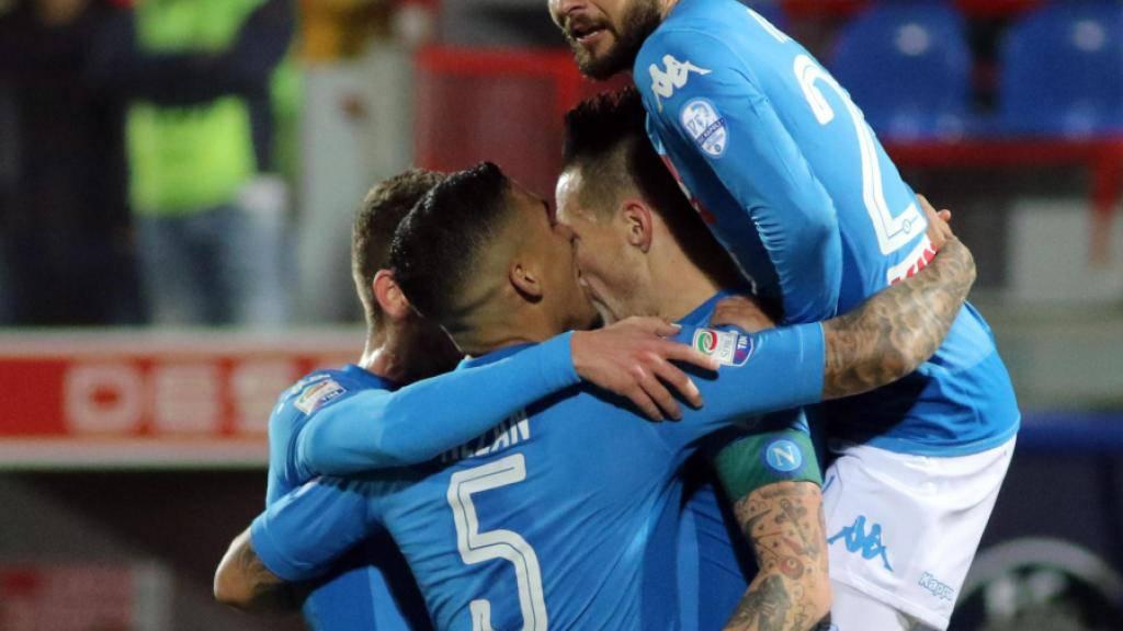 Wintermeister: Die Napoli-Spieler jubeln über den Sieg gegen Crotone
