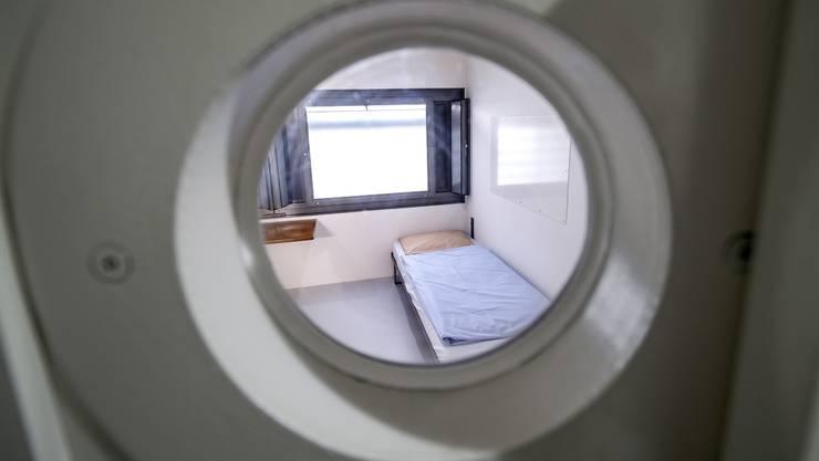 Das Gefängnis Waaghof an der Inneren Margarethenstrasse steht im Fokus von Menschenrechtsorganisationen: Besonders bei psychisch Kranken Insassen sei die Gefängnisleitung überfordert.
