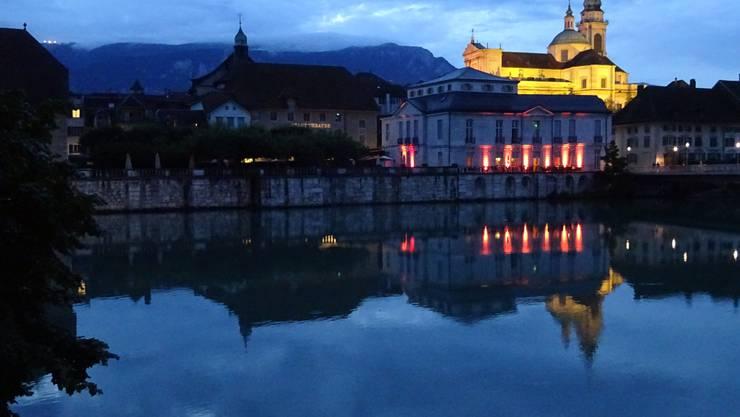 Monika Fischli fotografierte letztes Jahr die (verregnete) Abendwanderung rund um Solothurn, hier der abendliche Blick auf die St.-Ursen-Kathedrale.