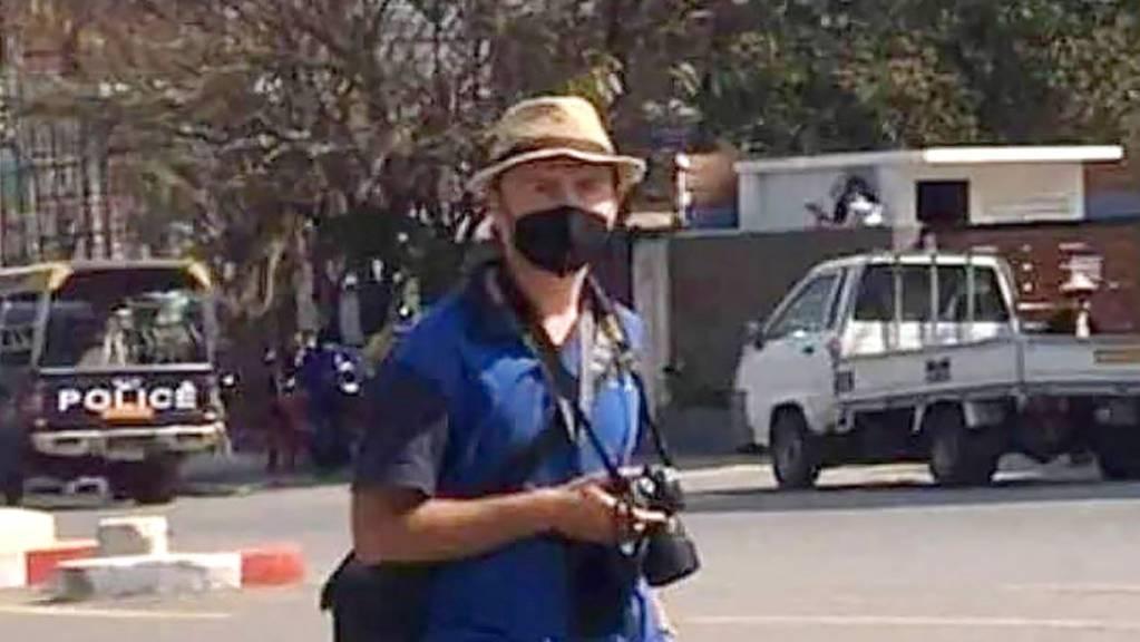 HANDOUT - Robert Bociaga ist als polnischer Journalist für die Deutsche Presse-Agentur in Myanmar tätig. Foto: --/facebook screenshot/dpa - ACHTUNG: Nur zur redaktionellen Verwendung im Zusammenhang mit der aktuellen Berichterstattung und nur mit vollständiger Nennung des vorstehenden Credits