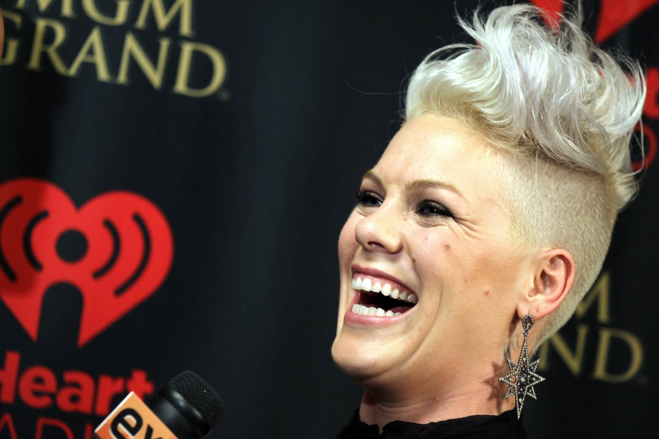 Happy Birthday Pink! Die Sängerin wird heute 40! (© gettyimages)