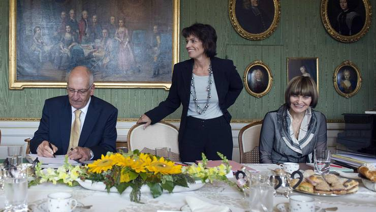 Im Jahr 2008 sassen sie noch gemeinsam im Bundesrat, jetzt engagieren sie sich im Ständeratswahlkampf (v.l.): Pascal Couchepin (FDP), Doris Leuthard (CVP) und Micheline Calmy-Rey (SP).