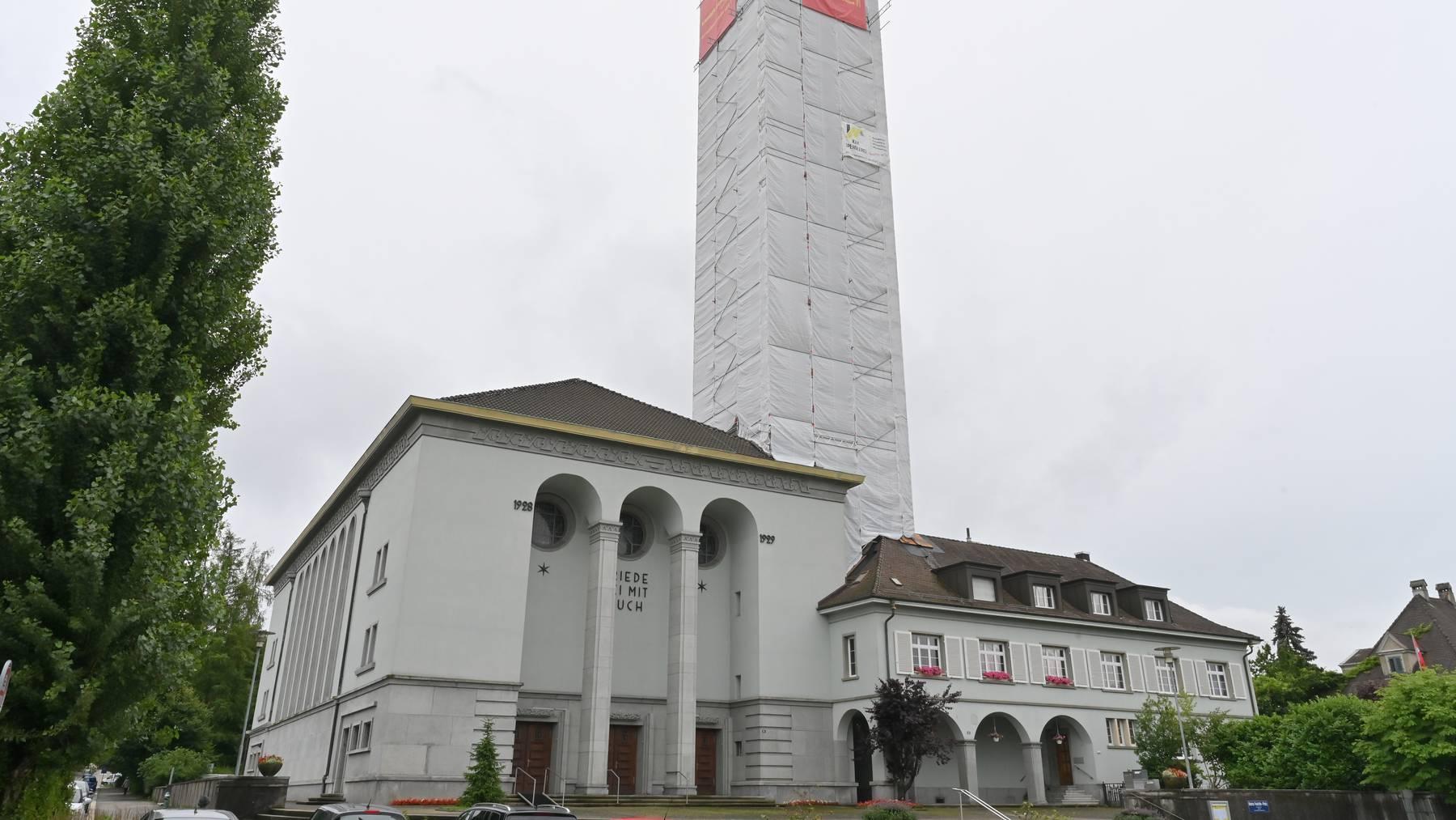 Einschusslöcher in der Friedenskirche Olten