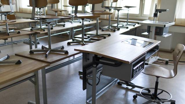 Heute gibt es viel mehr Teilpensen bei Lehrperson. Daher steigt für Schulleitungen der Aufwand im Personalmanagement. (Symbolbild)