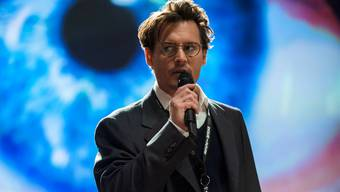 Dr. Will Caster (Johnny Depp) spielt Gott – ganz in der Tradition vieler anderer «Mad Scientists».Warner Bros/AP/KEY