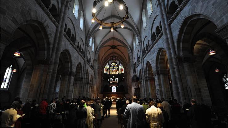 Gedenkgottesdienst für die Opfer der Amokfahrt vom Dienstag im vollen Basler Münster.