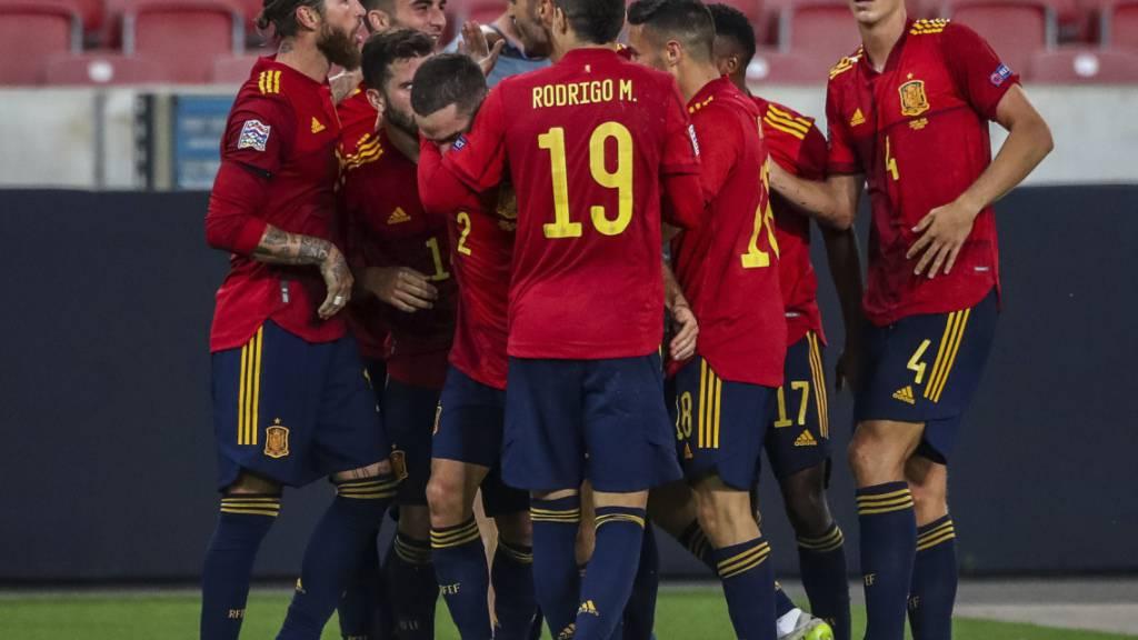 Später Jubel bei den Spaniern: Jose Gaya erzielt in der sechsten Nachspielminute das 1:1 für die Gäste