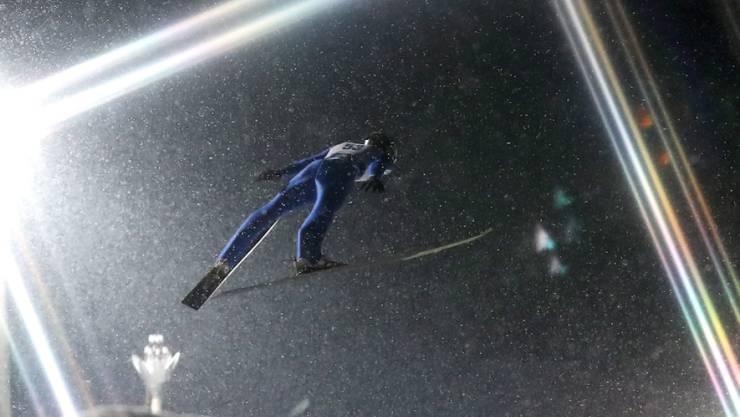 Killian Peier im Nachthimmel von Zakopane.