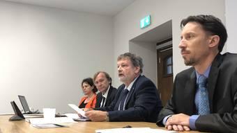 Medienbeauftragte Andrea Affolter, Andreas Bühlmann, Chef Amt für Finanzen, Finanzdirektor Roland Heim, Simon Bürki, Vizepräsident Finanzkommission bei der Vorstellung des Budgets 2020.
