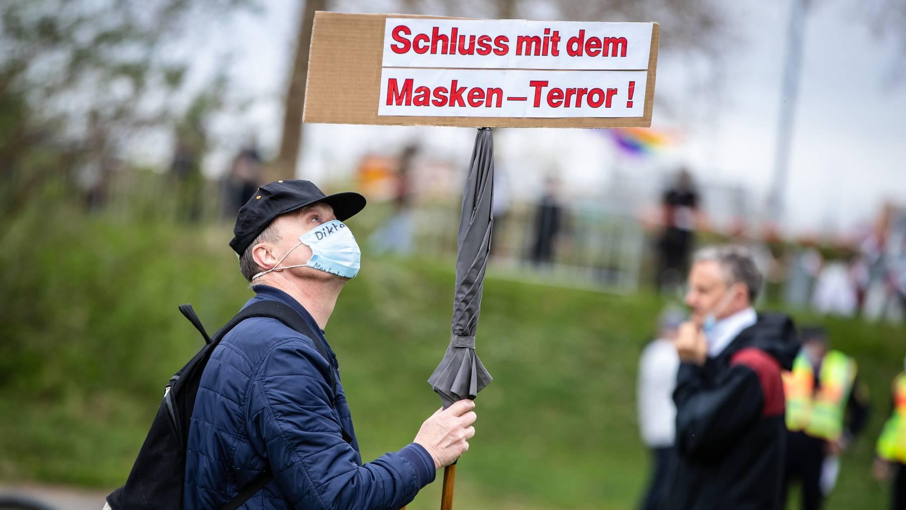 Nicht alle Maskengegner beschränken ihre Kritik auf Corona-Demonstrationen.