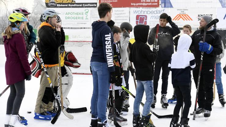 Die HCD-Legende leitet normalerweise das Training der U17 in Davos. Für diesen Anlass machte er allerdings eine Ausnahme.