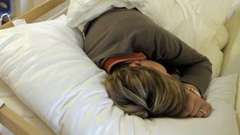 Menschen speichern selbst im Schlaf unterbewusst Informationen ab (Symbolbild)