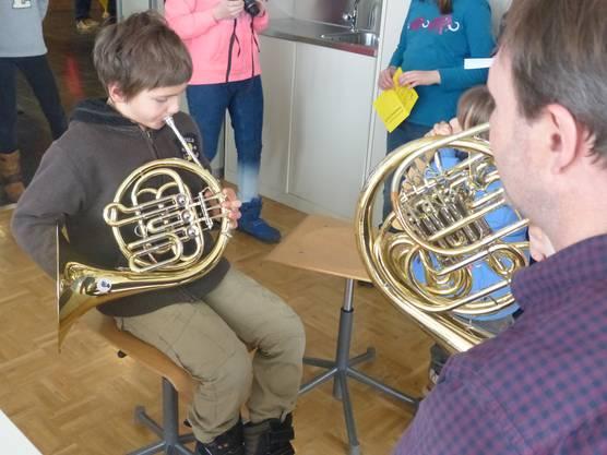 Die Musikschule lud am Samstag zum Instrumentenschnuppern ein.