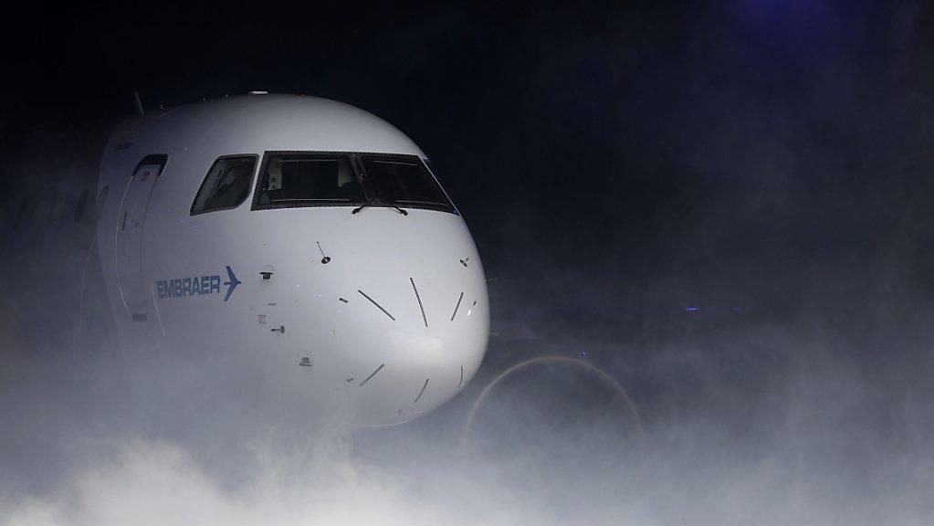 Die EU will die Fusion zwischen dem Boeing-Konzern und Embraer näher untersuchen, um festzustellen, wie sich der Zusammenschluss auf den Markt für Regionalflugzeuge auswirkt. (Symbolbild)