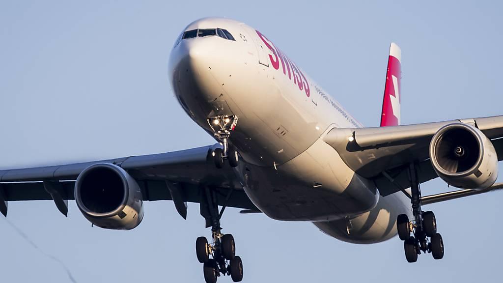 Schweizer Reisende aus Mumbai und Delhi in Zürich gelandet