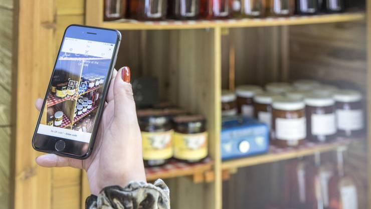 Die Aargauer Bauern werden digital: Im Rahmen eines Pilotprojekts kann man in 33 Hofläden neu per Twint bezahlen.