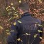 Die Polizei bei der Spurensuche im Wald. (Archiv)