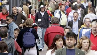 Vor allem aus den EU- und den EFTA-Staaten sind weniger Personen ein-, respektive mehr ausgewandert. (Archivbild)