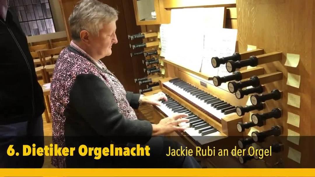Jackie Rubi, die Limmattalerin des Jahres 2017, spielte echte Schweizer Volksmusik.