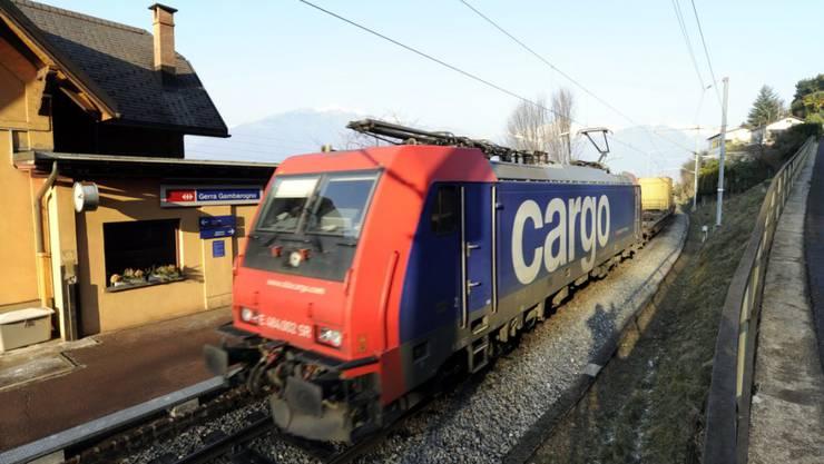 Vom Erdrutsch im italienischen Maccagno beschädigt wurde ein Zug von SBB Cargo International. (Symbolbild)